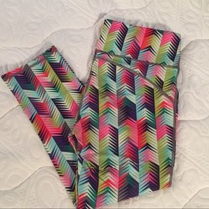 Fabletics Size Small Rainbow Chevron Capris